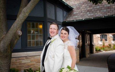 Vintage-Themed Wedding in Racine, Wisconsin